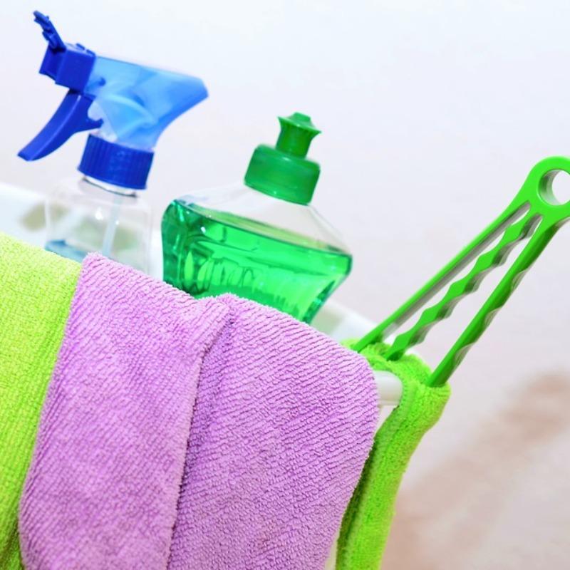 Raamdecoratie schoonmaken